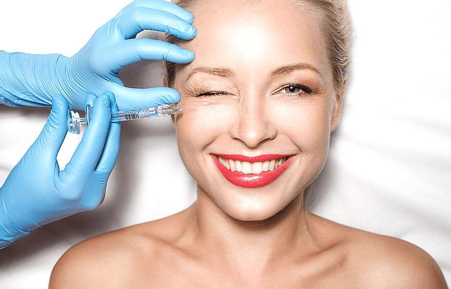 Как следить за кожей лица, когда женщине 50 лет